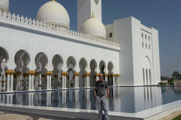 Martijn bij de Sheikh Zayed Grand Mosque