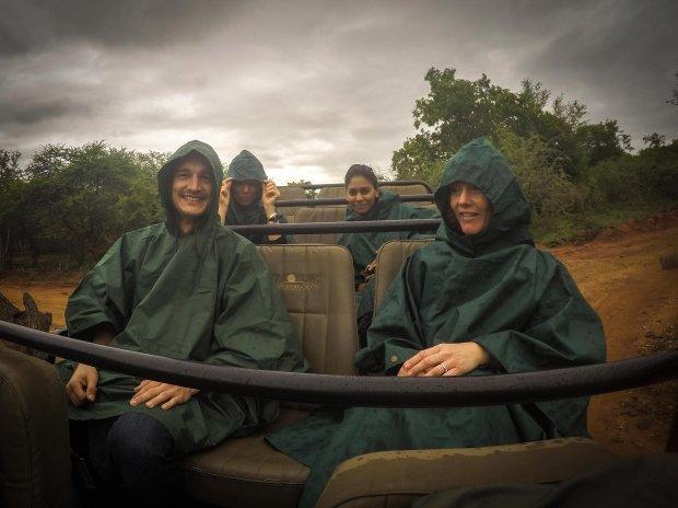 poncho's in de openwagen