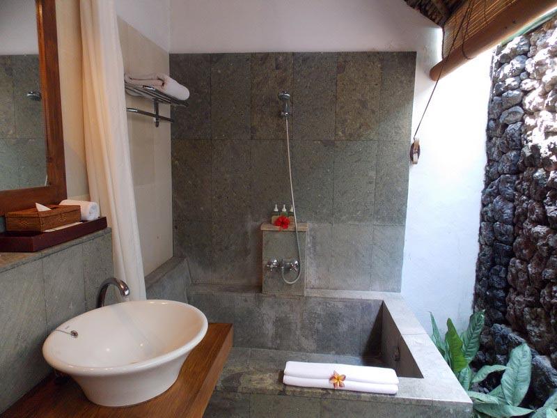 Pangea travel alam asmara dive resort indonesi - Eilandjes bad ...