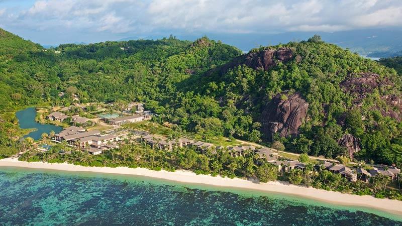 Seychellen - Uitzicht op Kempinski Seychelles