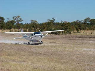 light aircraft  reis Zimbabwe
