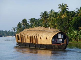 Backwaters - houseboat backwaters zuid india - foto: Karin Nuijt
