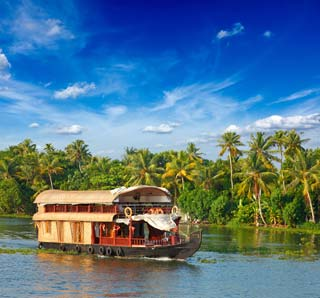 India - Varende boot restaurant, Kerala backwaters - foto: Archief