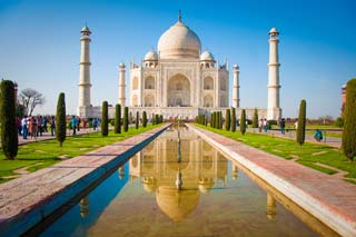 de Taj Mahal in Agra, India - foto: Archief