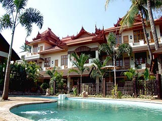Myanmar - zwembad Hotel by the Red Canal