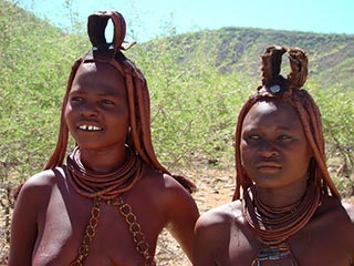 Himba's - foto: Berry ter Horst