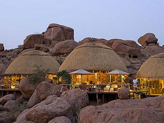 Damaraland - luxe bungalow Camp Kipwe