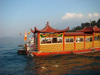 Sun Moon Lake - Chinese boot Sun Moon Lake