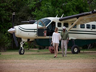 Tanzania - Vlucht per light aircraft - foto: Niels van Gijn, Foxes Safari Camps