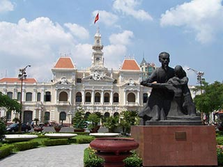 stadhuis Ho Chi Minh City - foto: Floor Ebbers